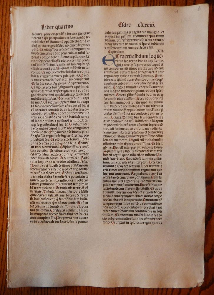 THE BOOK OF 2 EDRAS. A LEAF FROM A BIBLIA LATINA, PRINTED BY ANTON KOBERGER IN NUREMBERG IN 1479. EARLY PRINTING - INCUNABULA.